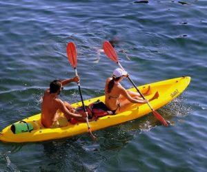 canoeing-1521660_640-min